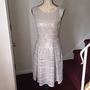 NWOT Touch of Class Dress by Vince Camuto Size 6